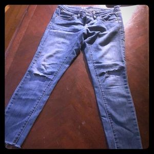 Woman's Jeans 2/26 S/C Cut/Frayed at the bottom